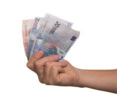 Pożyczka na 30 dni – metoda na słabszy miesiąc dla studenta?
