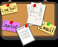 Tablice korkowe, notatniki: zaskakująco przydatne przedmioty w mediach