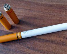 Opakowania i reklamy papierosów ograniczone. Popularność zyska e papieros?