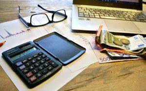Podatek przez ryczałt oznacza brak konieczności księgi rachunkowej. Źródło: Pixabay.com.