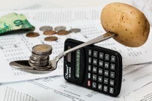 Innowacyjny biznes plan musi zawierać bilans kosztów i przychodów. Źródło: Pixabay.com.