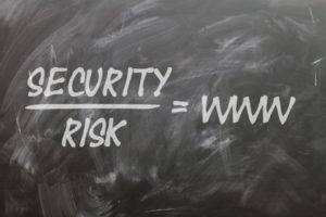 Internet daje ryzyko ataków hackerskich. Źródło: Pixabay.com.