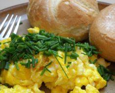 Co nada się na niedrogie i zdrowe śniadanie?
