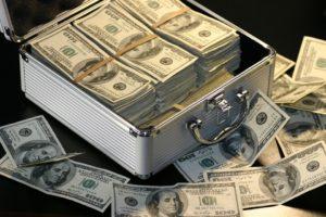 Alior bank praca. Źródło: walizka pełna dolarów