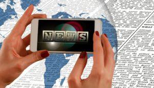 Odbiorcy mediów wybierają dziś spośród zalewu informacji. Źródło: Pixabay.com.