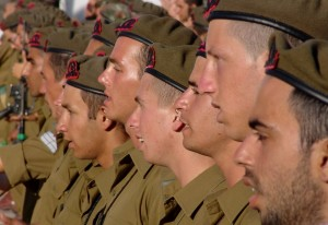 Dyscyplina to dla wielu wymagający aspekt pracy w wojsku. Źródło: Pixabay.com.