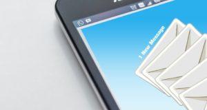 Smartfon jest niezbędny w wielu zawodach. Źródło: Pixabay.com.