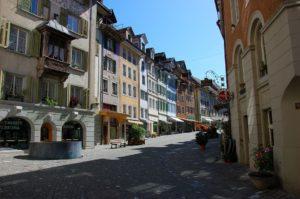 Popularność city breaków wynika z dostępności mnóstwa wartych zobaczenia miast. Źródło: Pixabay.com.