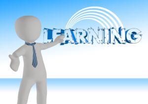 Studia dualne łączą edukację i karierę. Źródło: Pixabay.com.