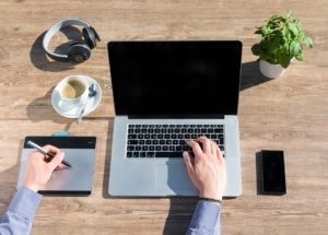 Dla niektórych firm praca w domu może przestać być atrakcyjnym rozwiązaniem. Źródło: Pixabay.com.