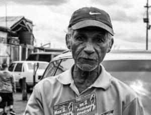 Starsi pracownicy nie mają największego wyboru, ale rynek pracy jest dla nich obecnie łaskawszy. Źródło: Pixabay.com.