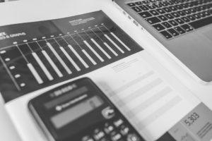 Zawodowy księgowy codziennie zmaga się z podobnymi zadaniami dotyczącymi finansów przedsiębiorstw. Źródło: Pixabay.com.