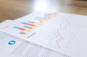 Znajomość prawideł ekonomii uważana jest za podstawę w wielu prestiżowych zawodach. Źródło: Pixabay.com.